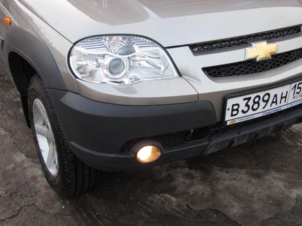 Автомобиль с противотуманками