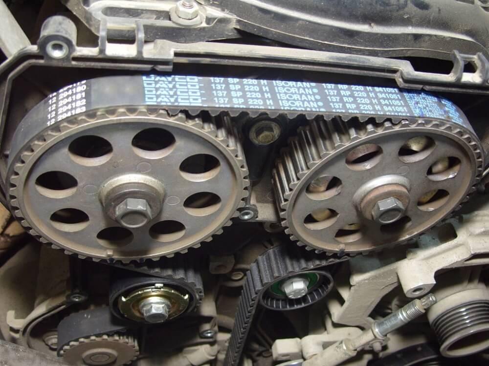 Ремень ГРМ 16-клапанный двигатель