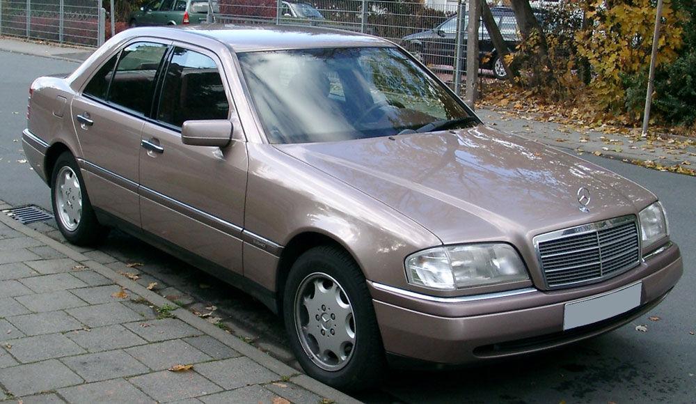 Простой в обслуживании Mercedes W202