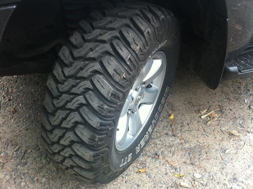 Автомобиль с грязевой резиной