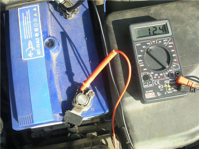 Измерение напряжения АКБ мультиметром