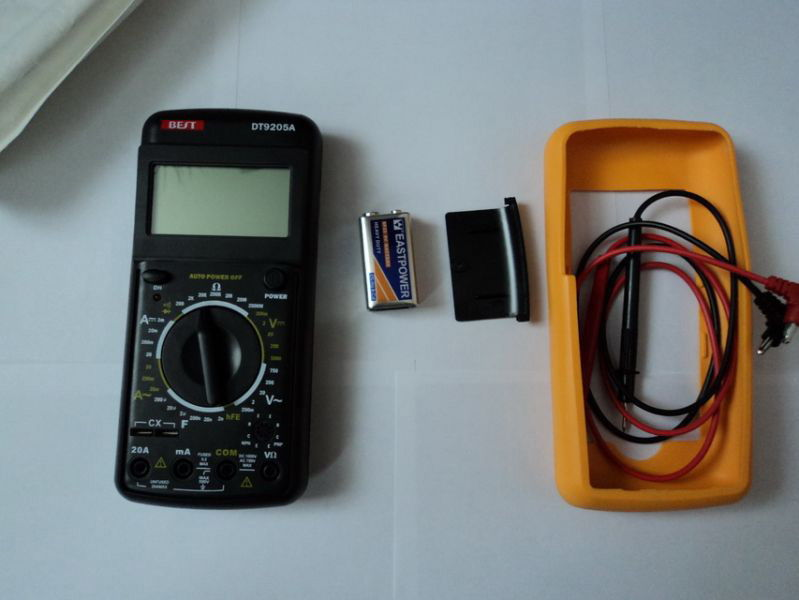 Мультиметр и батарея