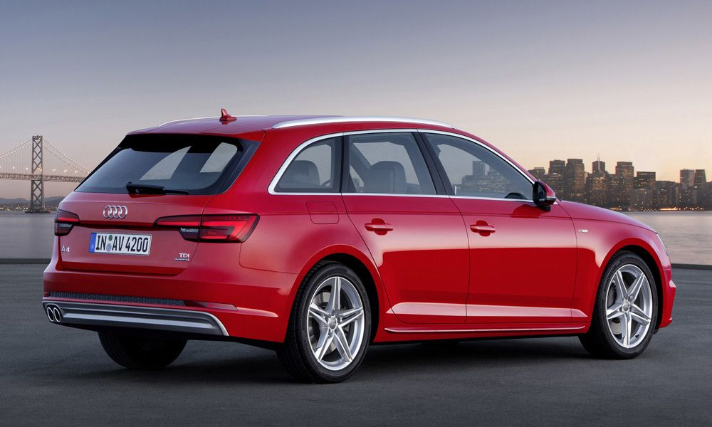Audi A4 2015 года