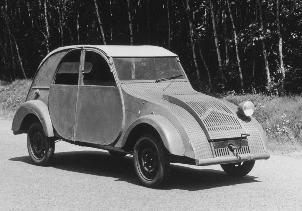 Прототип автомобиля Citroen 2CV