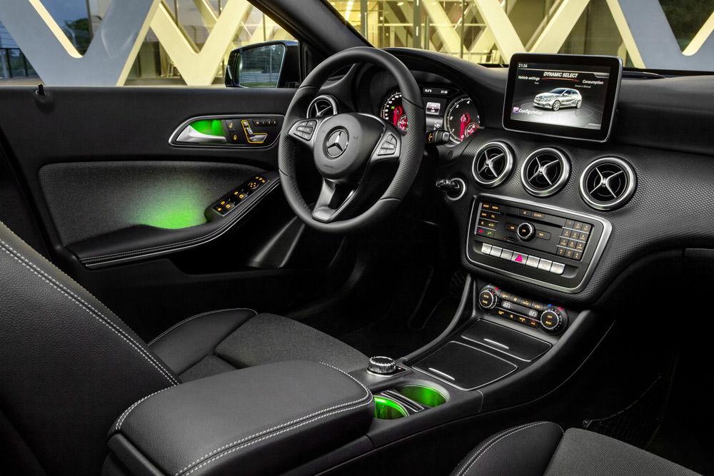 В салоне автомобиляMercedes A-Klasse