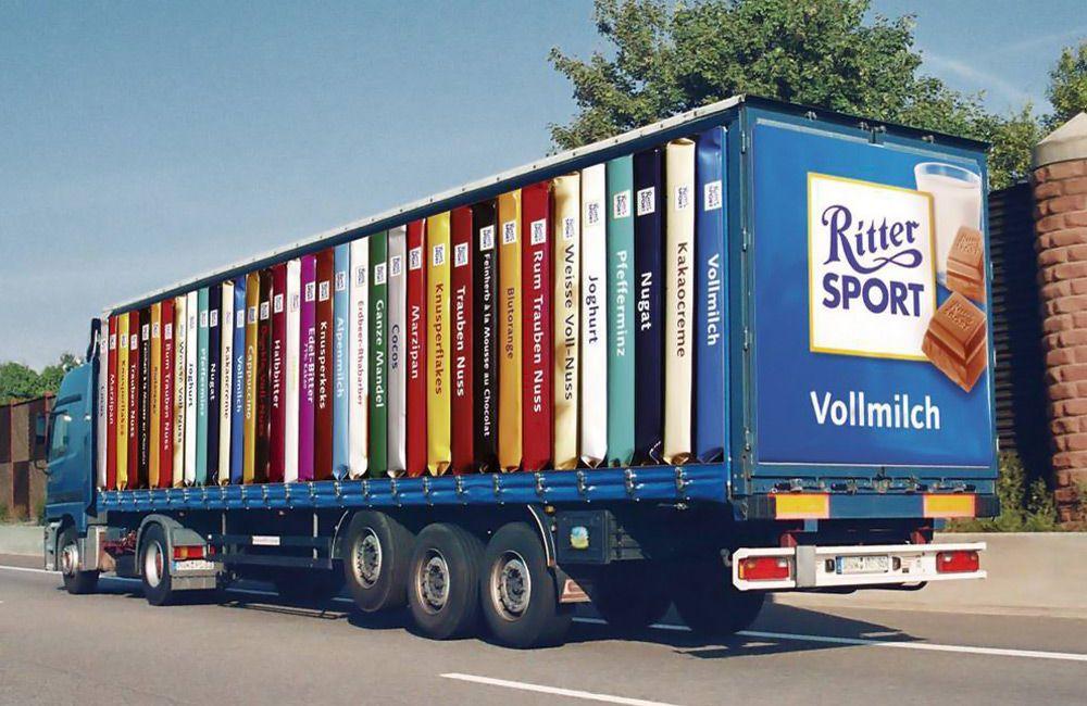 Реклама на тенте грузовика