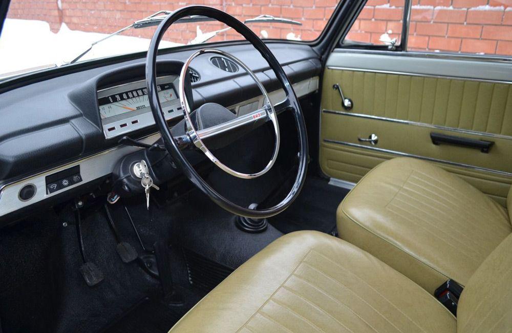 Салон автомобиля ВАЗ-2101