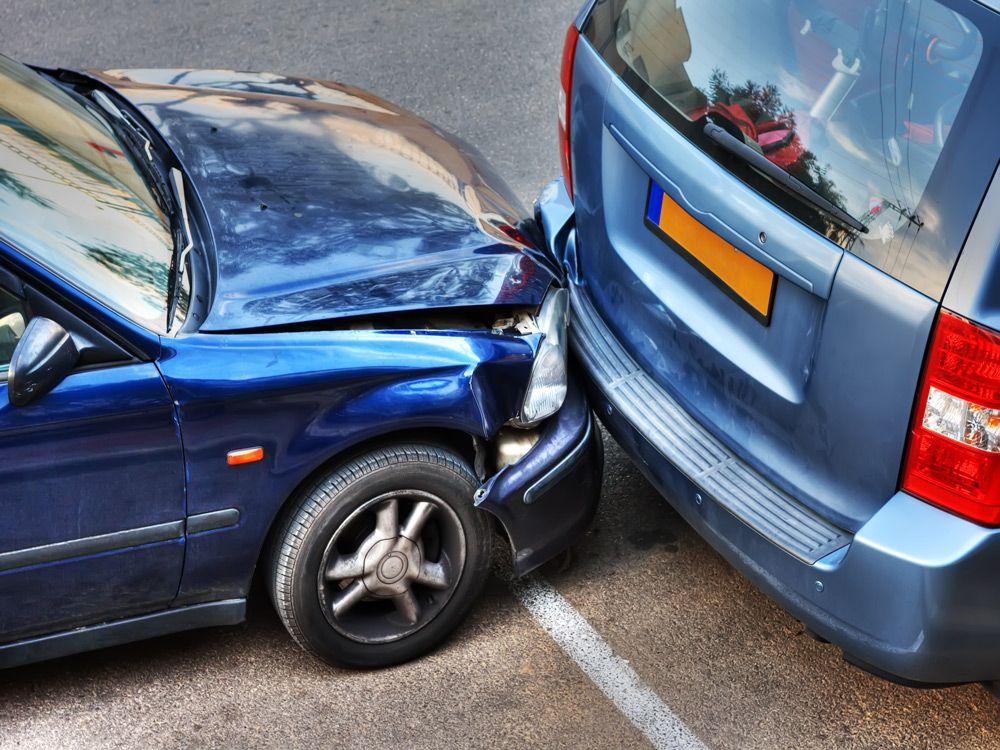 Столкновение со стоящим автомобилем