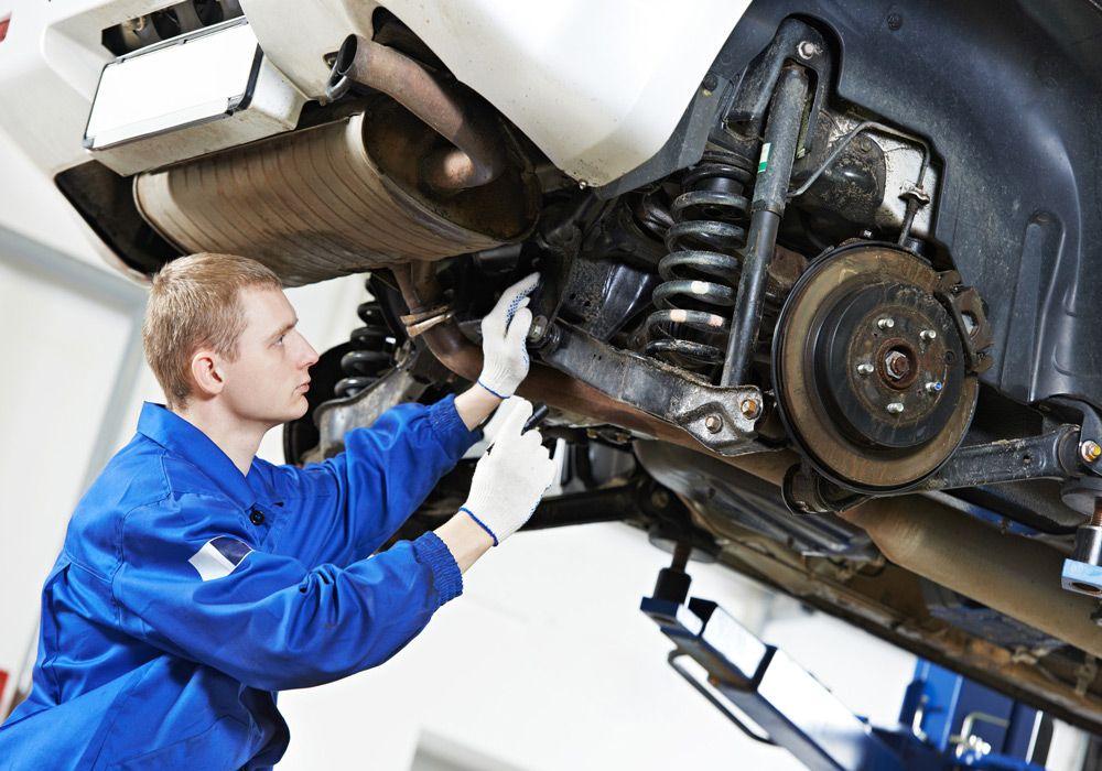 Гарантия на автомобиль по закону. Гарантийный срок на работу автосервиса Как по гарантии ремонтировать авто