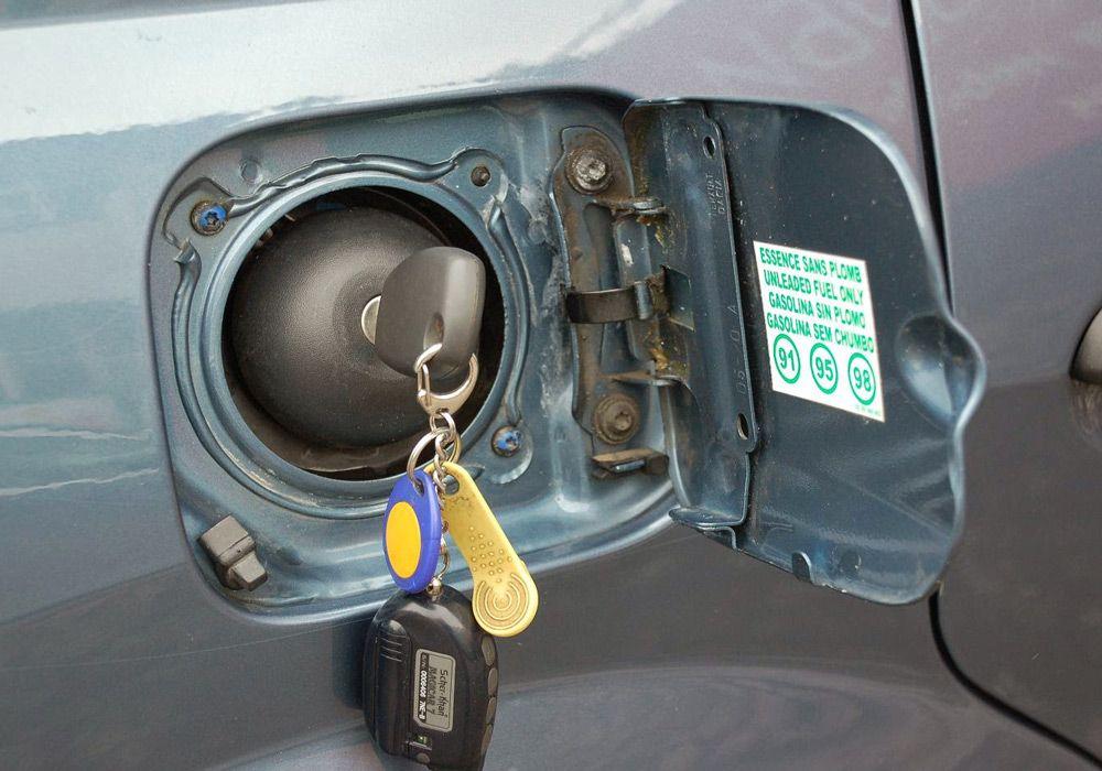 Крышка бензобака с ключом