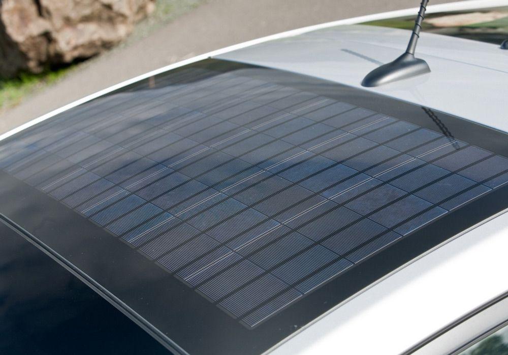 Солнечная батарея на крыше авто