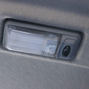 Плафон освещения автомобиля