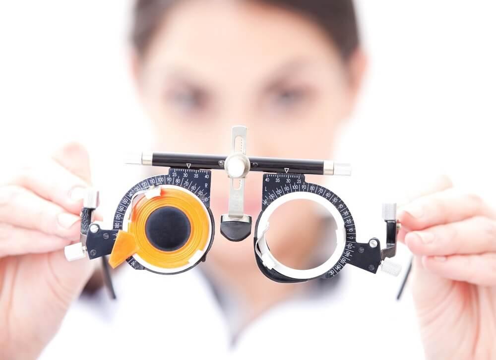 Прохождения теста у глазного врача