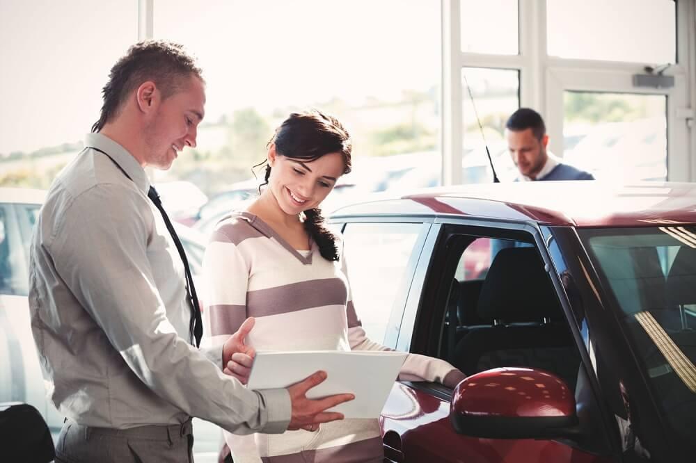 Проверка документов в автосалоне