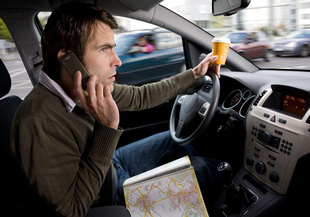 Использование телефона за рулём