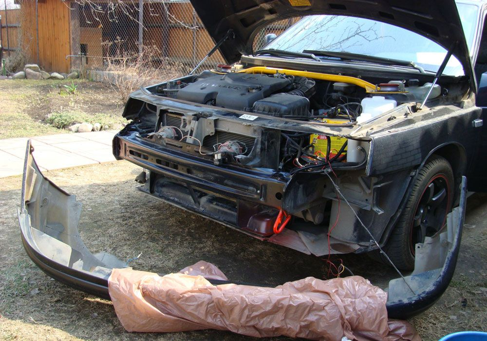 Автомобиль со снятым бампером