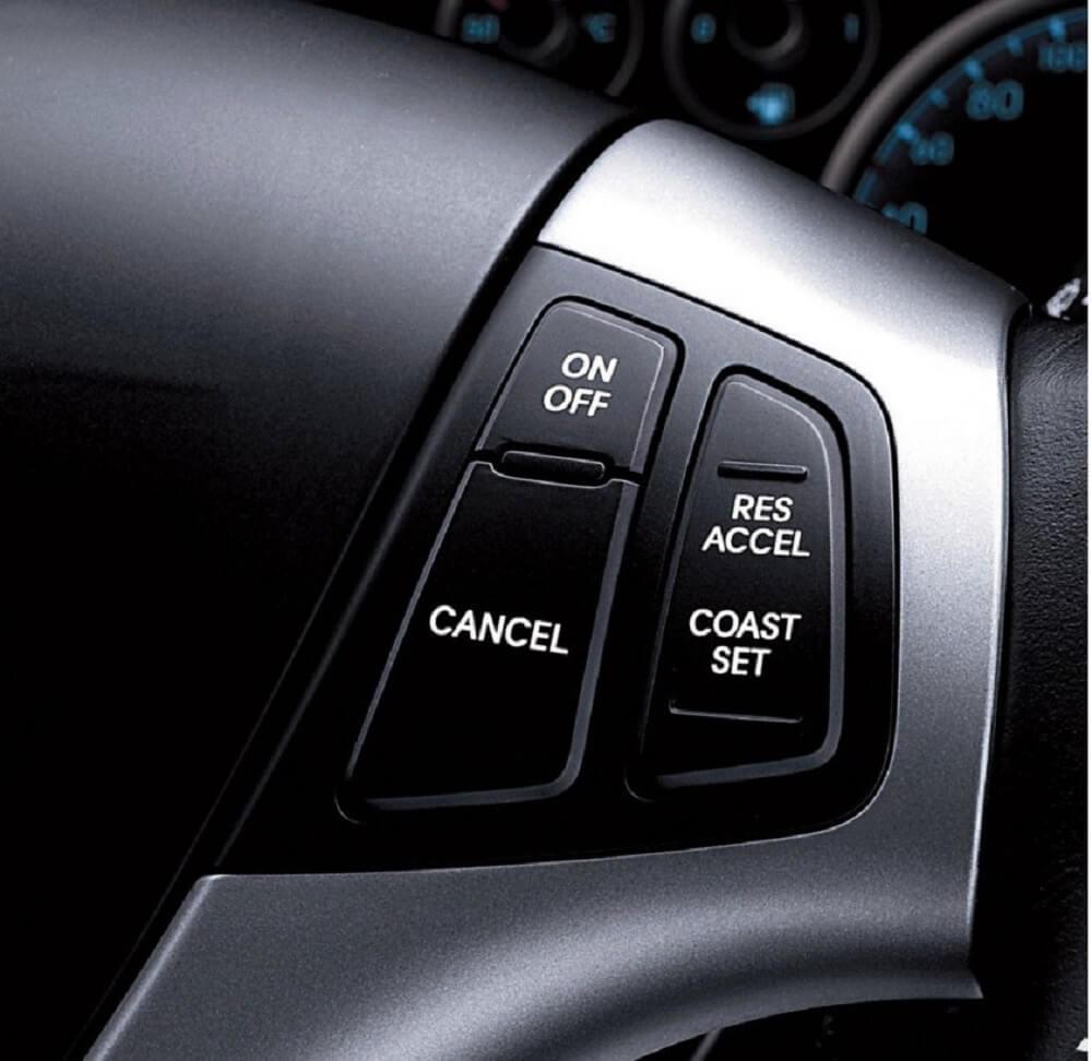 Кнопки включения круиз контроля