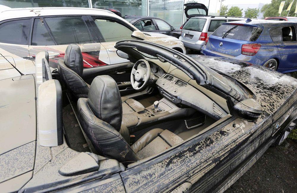 Автомобиль после затопления