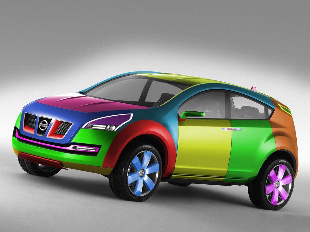Разноцветный автомобиль Nissan