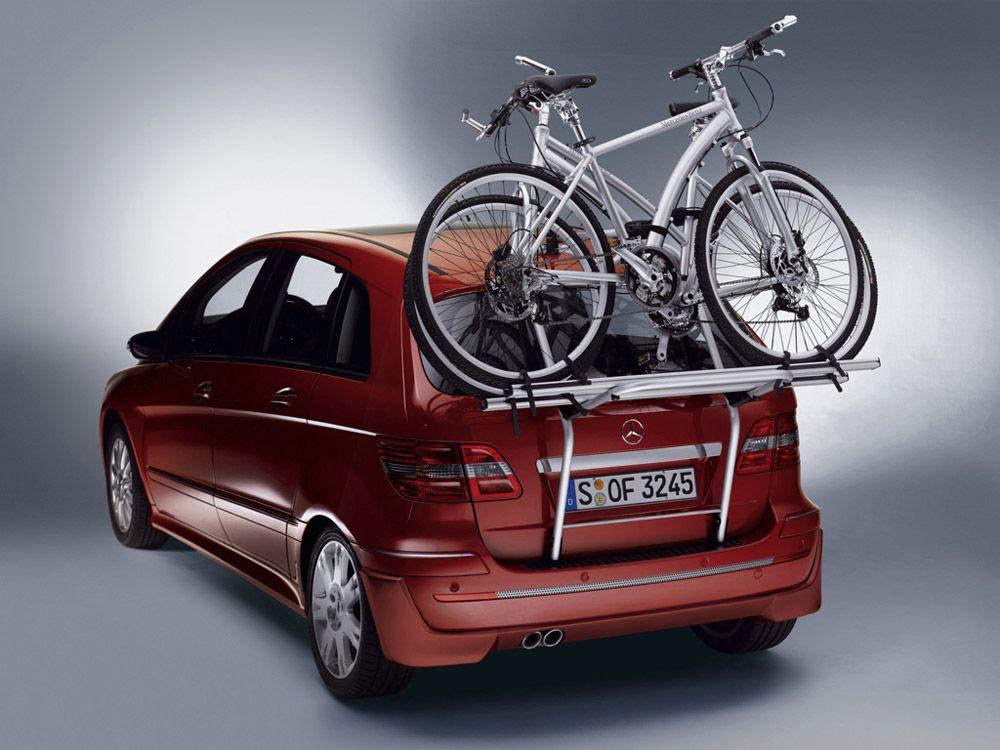 Велосипеды на двери багажника