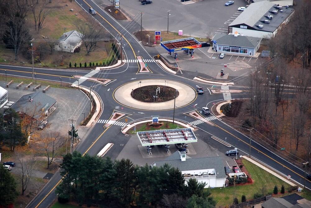 Круговое автомобильное движение