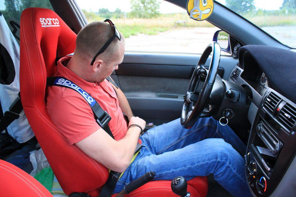 Водитель обучение экстремальному вождению