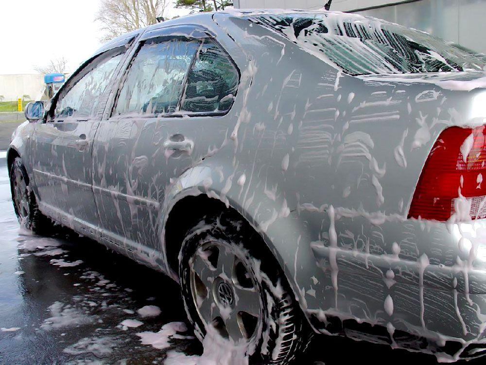 Машина в шампуне