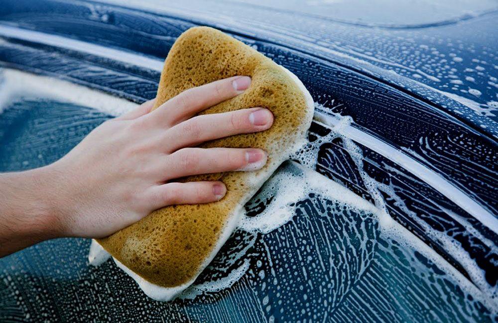 Мытьё машины шампунем