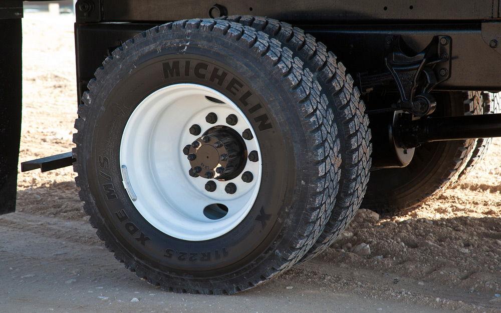 Колеса грузовика