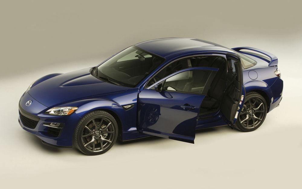 Синяя Mazda RX-8