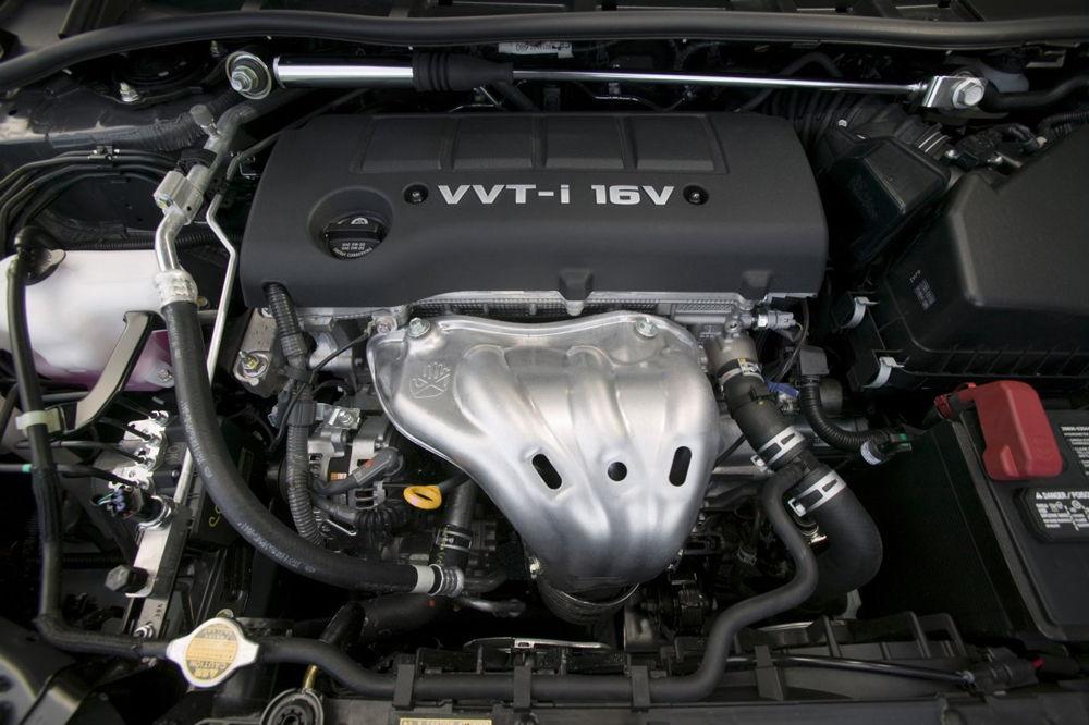 Подкапотное пространство Toyota Corolla