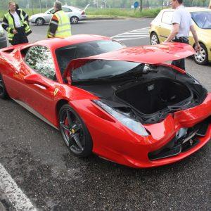 Разбитый Ferrari 458