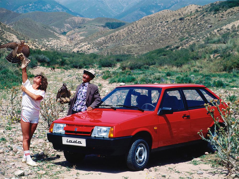Красный ВАЗ 2109