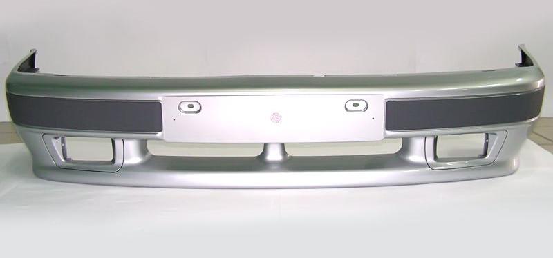 Снятый с авто бампер
