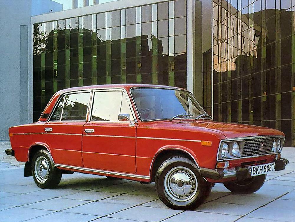 Красный ВАЗ-2106