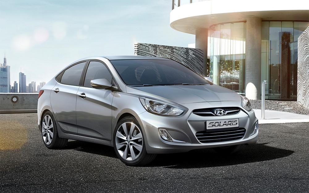 Серый Hyundai Solaris