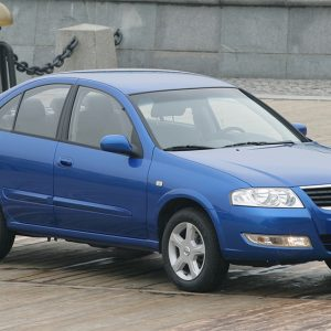 Синий Nissan Almera Classic