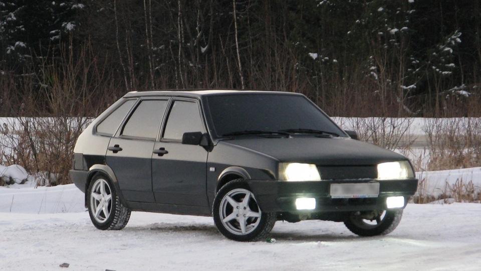 Зеленый ВАЗ-2109