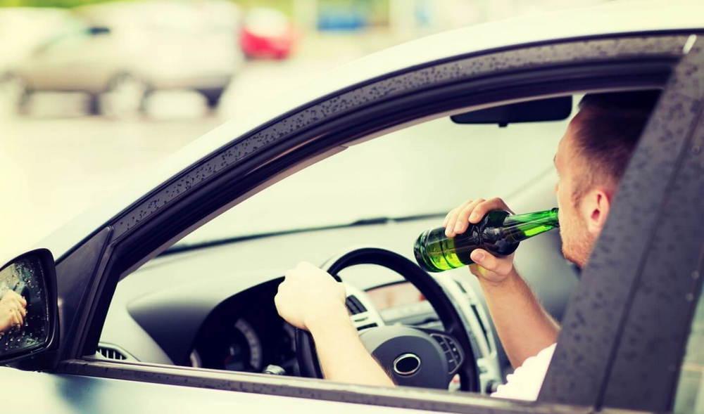 Выпивание за рулем автомобиля