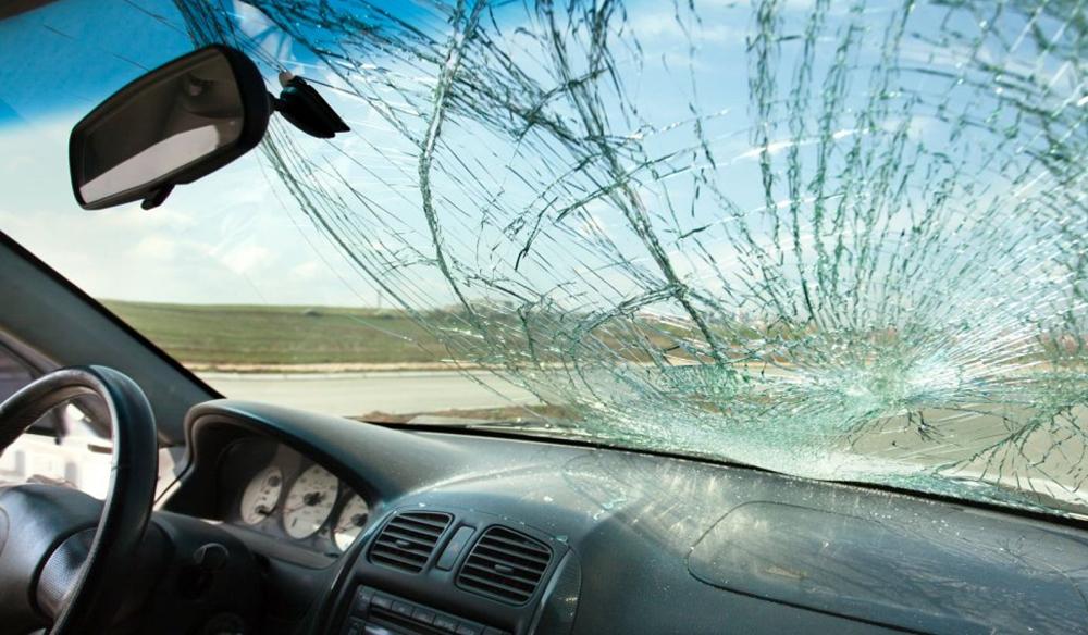 Езда с повреждённым лобовым стеклом