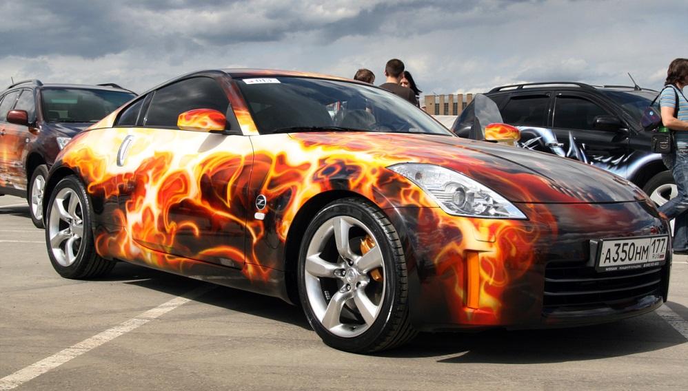 Нанесение рисунков на автомобили
