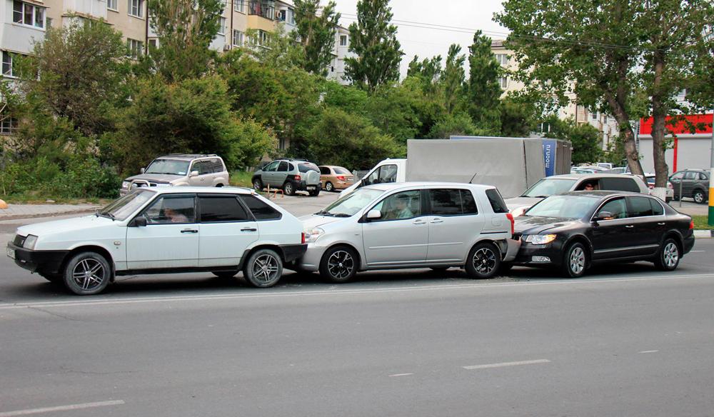 Нарушение дистанции между автомобилями